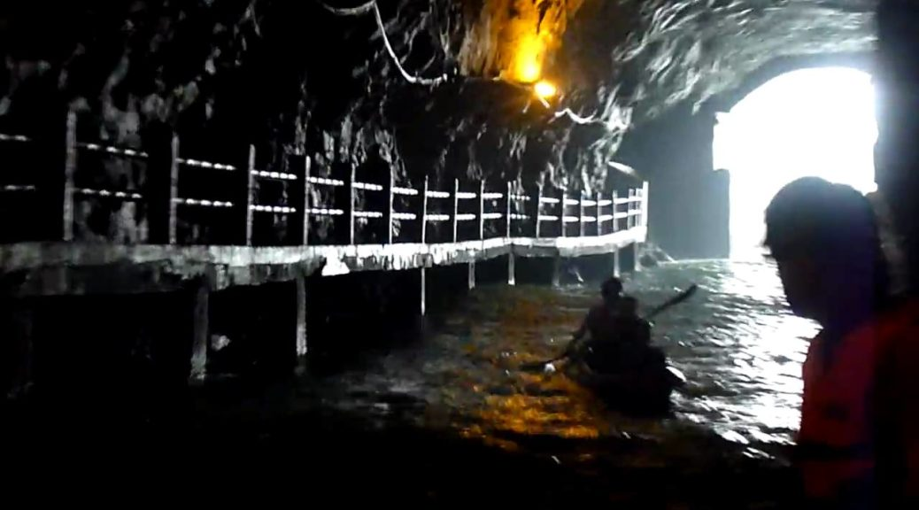 Kayak-in-Mazu-Islands-in-the-War-Time-Tunnels