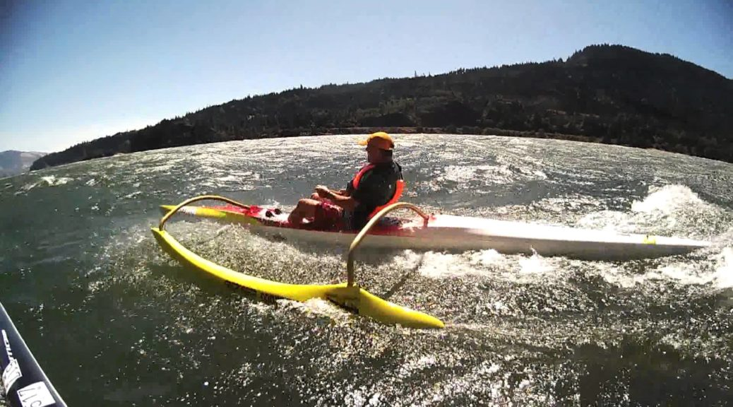 Outrigger-Canoes-Surfing-the-Gorge-Downwinder